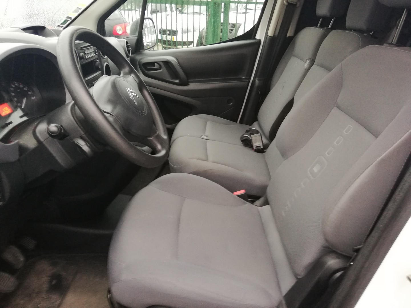Citroen - Berlingo 1.6 HDI 3 Lugares Iva Dedutivel
